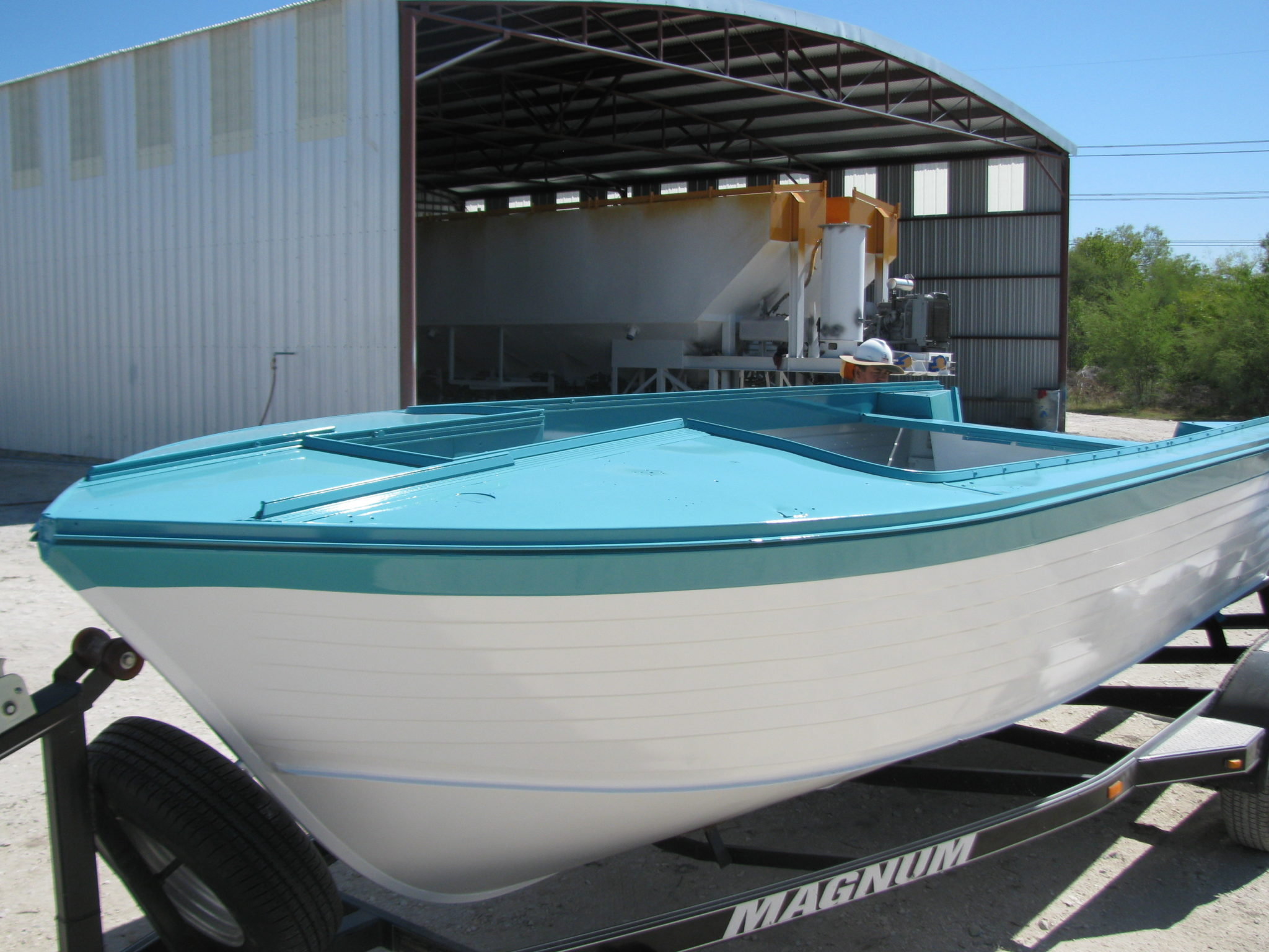2-tone-boat-paint-complete