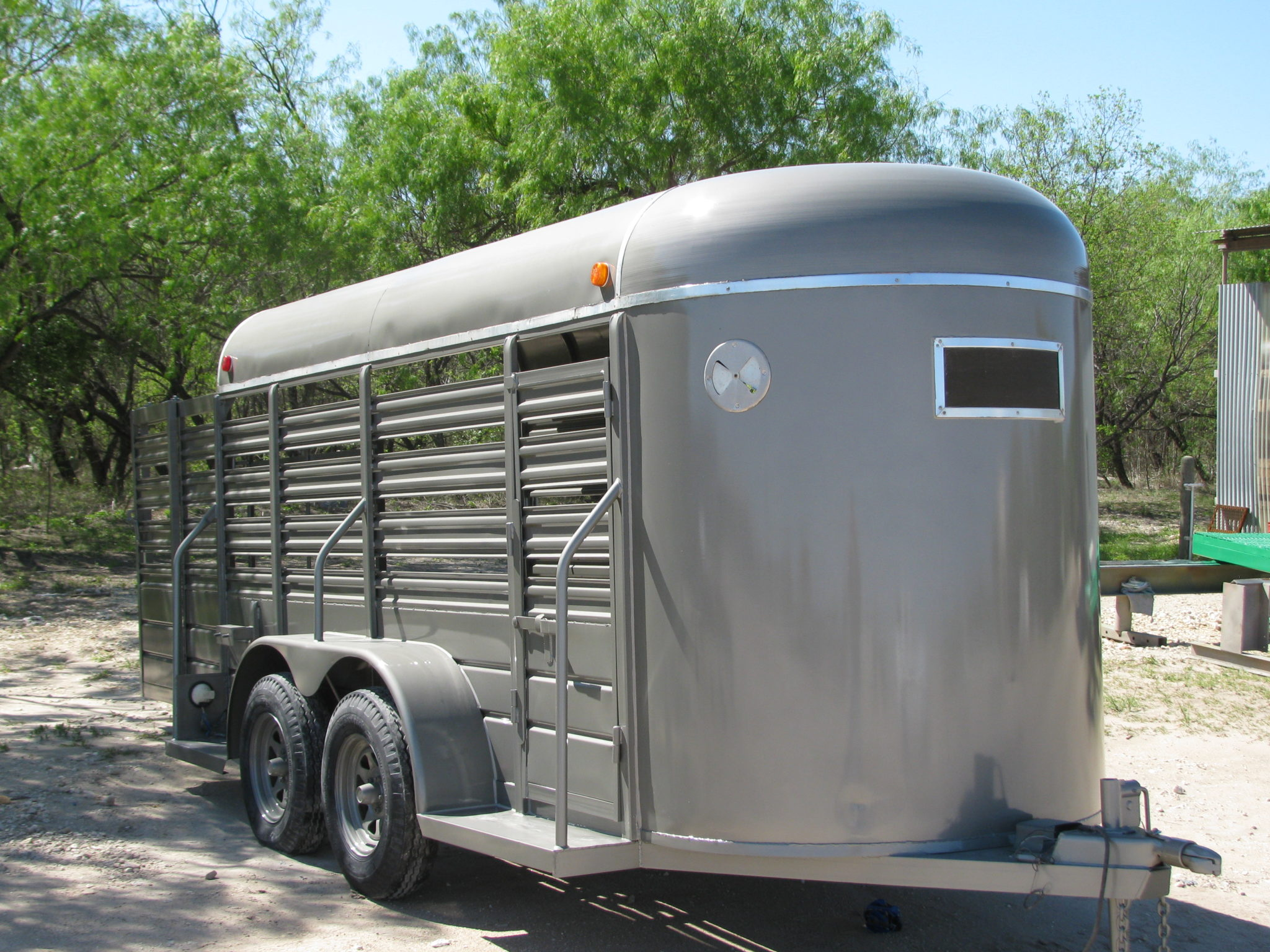 Horse Trailer Paint Comp